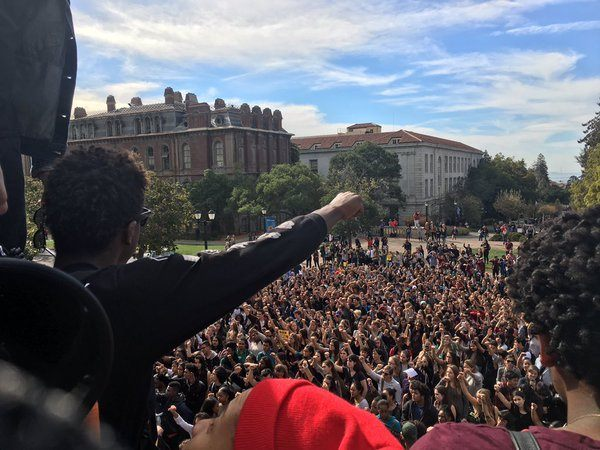 Black Lives Matter Berkeley High School (@lucyrosenthal_ / Twitter)