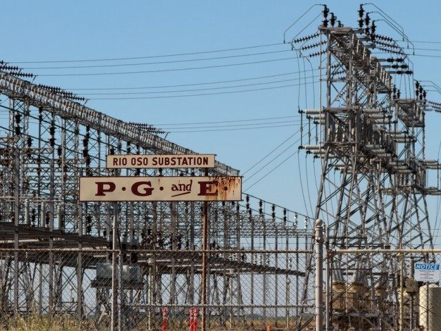 California substation (Matthew Fern / Flickr / CC / Cropped)