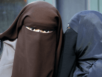 Senior German Politician Calls For National Burqa Ban, Including Tourists