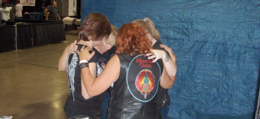 Women in the Bikers for Christ Club pausing for prayer. (Photo: Pastor Leo Martinez)