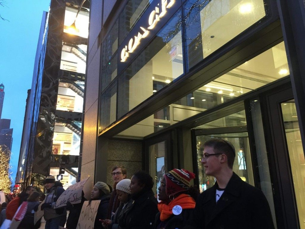 Black Friday Chicago (Lee Stranahan / Breitbart News)
