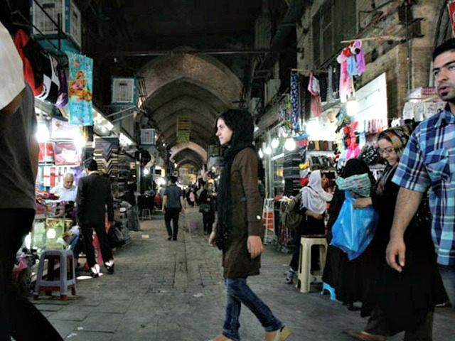 Iranians-shop-at-Tehran Vahid SalemiAP