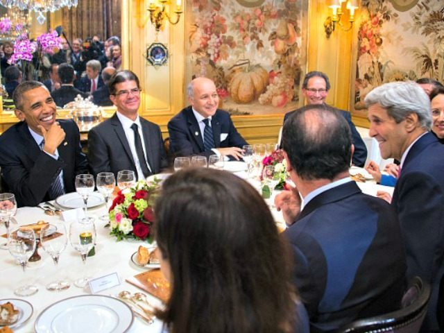 Obama, Hollande, Kerry, Rice French Restaurant Jim Watson Getty