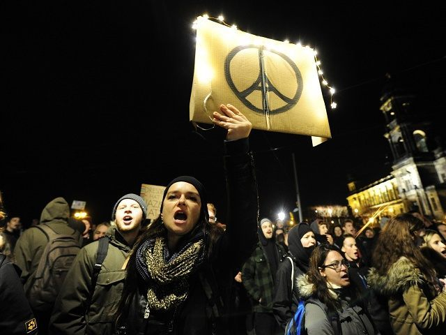 GERMANY-FRANCE-ATTACKS-EUROPE-MIGRANTS-FARRIGHT-PEGIDA
