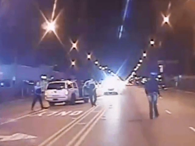 Jason Van Dyke shooting Laquon McDonald in Chicago (Screenshot / YouTube / DNAInfo / Chicago PD)