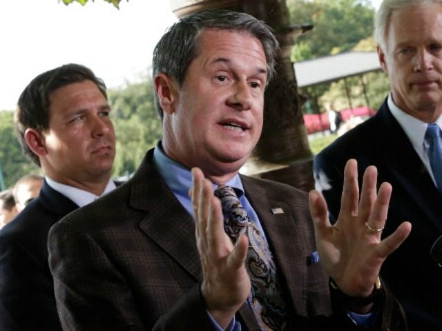 Sen. David Vitter (R-LA) joins other Republican members of Congress while they hold a press conference on the Vitter Amendment as the U.S. legislative body remains gridlocked over legislation to continue funding the federal government September 30, 2013 in Washington, DC. Senate Majority leader Harry Reid has said the Senate …