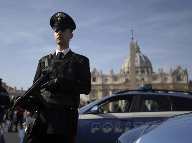 Italian Police Arrest Four for Plotting Attack on Pope