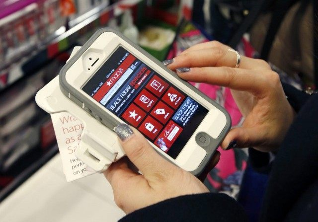 More Shoppers Going Mobile This Holiday Season