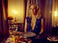 Gillian Anderson PETA Ad: Eating Turkey Is Cannibalism!