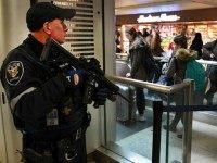 mtrak Police officer watches passengersas they board a train at Penn Station on November 24, 2015 in New York. After a string of terror attacks in several countries, the US government issued a worldwide travel alert warning American citizens of 'increased terrorist threats'. AFP PHOTO / TIMOTHY A. CLARY / …