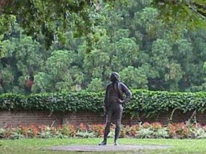 College of William & Mary Students Want Statue of 'Incestuous Rapist' And 'Racist' Thomas Jefferson Removed