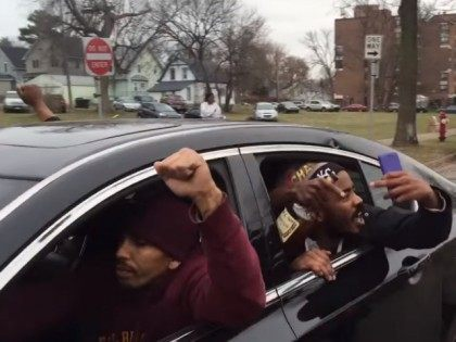 Participants in Minneapolis Funeral Procession Chant 'F*** the Police'