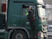 Calais Hammer