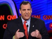 Republican presidential candidate New Jersey Gov. Chris Christie gestures during the Republican Presidential Debate, hosted by CNN, at The Venetian Las Vegas on December 15, 2015 in Las Vegas, Nevada. AFP PHOTO/ ROBYN BECK / AFP / ROBYN BECK (Photo credit should read