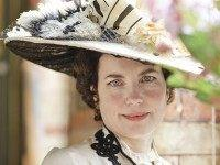 Elizabeth-McGovern-Downton-Abbey-5-PBS