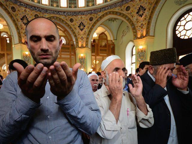 AZERBAIJAN-RELIGION-ISLAM-EID