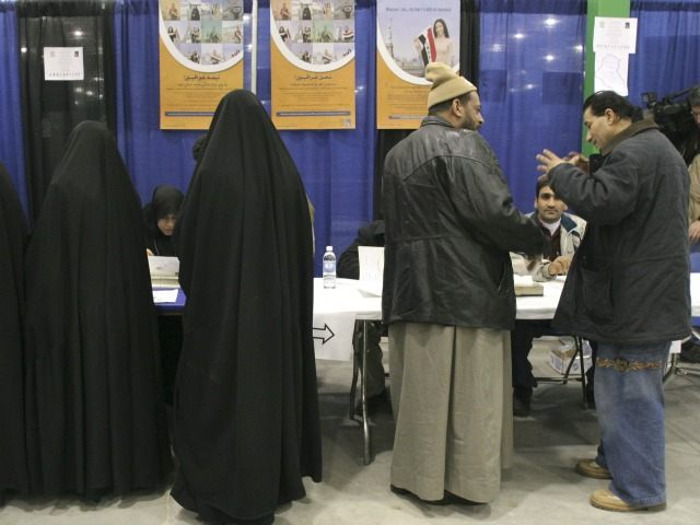 GettyImages-52004286 Burka in Mich