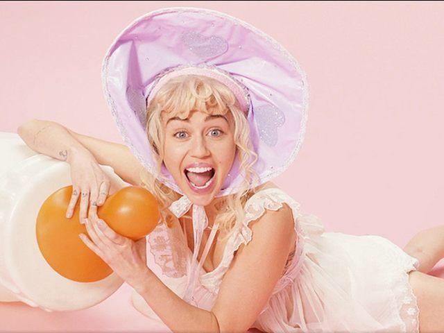 Miley-Cyrus-2-video
