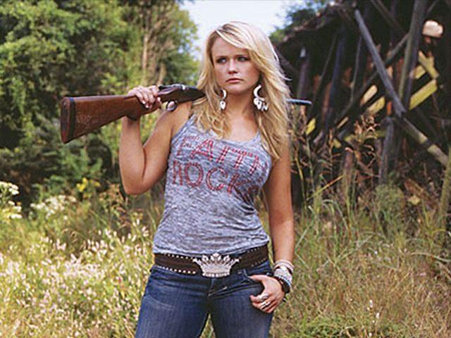 Miranda-Lambert-gun