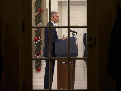 Obama Oval Office (Jacquelyn Martin / Associated Press)