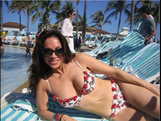 Pam-Gellar-Bikini