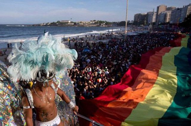 Rio-pride-2013-1-450x299