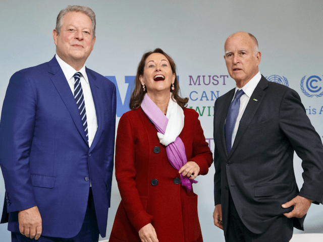 Al Gore and Jerry Brown in Paris (Michel Euler / Associated Press)