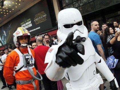 Star-Wars-fans-AP