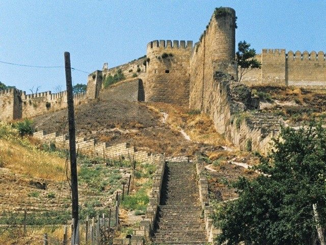 Stairs leading up to narym kala fortress (beautiful fortress) in the ancient city of derbent, dagestan.