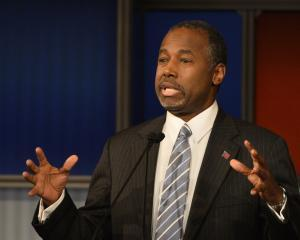 Carson maintains opposition to Syrian refugees