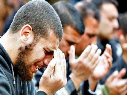 weeping-Muslims