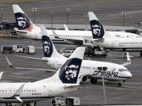 Alaska Airlines (Elaine Thompson / Associated Press)
