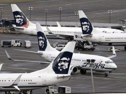 Alaska Airlines (Elaine Thompson / Associated Press)