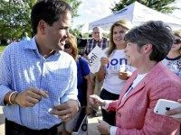 Earnst and Rubio Charlie NeibergallAP