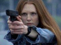 Julianne-Moore-3-gun