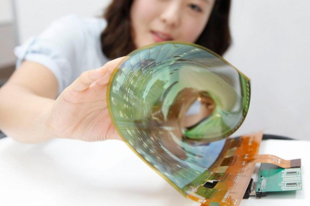 LG-rollable-OLED-display