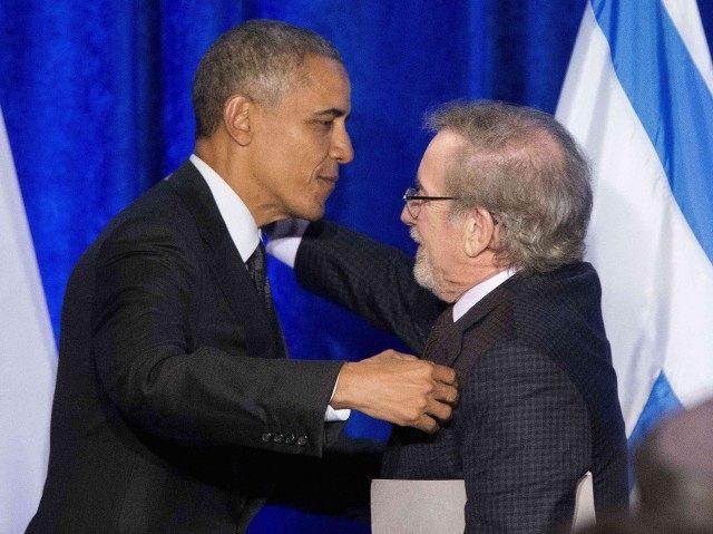 Obama Spielberg (Pablo Martinez Monsivais / Associated Press)