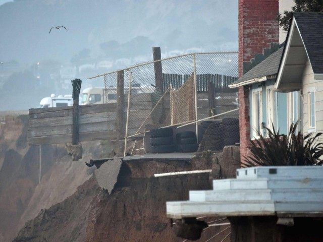 Pacifica collapse (Josh Edelson / Getty)