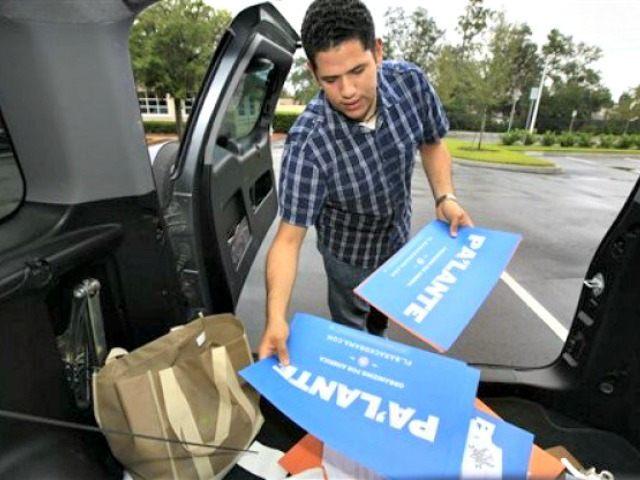 Puerto Rican Voters Sign Spanish APJulie Fletcher