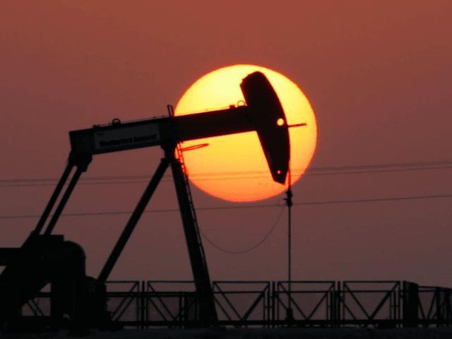 Oil jumpjack (Hasan Jamali / Associated Press)