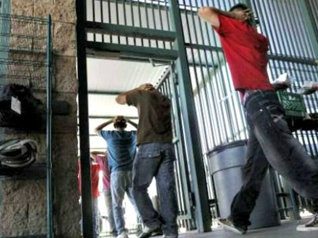illegal immigrants file into BC facility in Tucson AP
