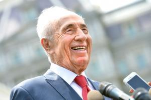 Israel's Shimon Peres stable after mild heart attack