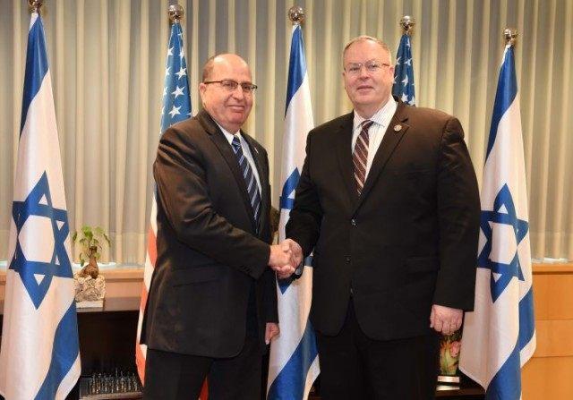 Ya'alon with US Deputy Secretary of Defense, Robert Work.
