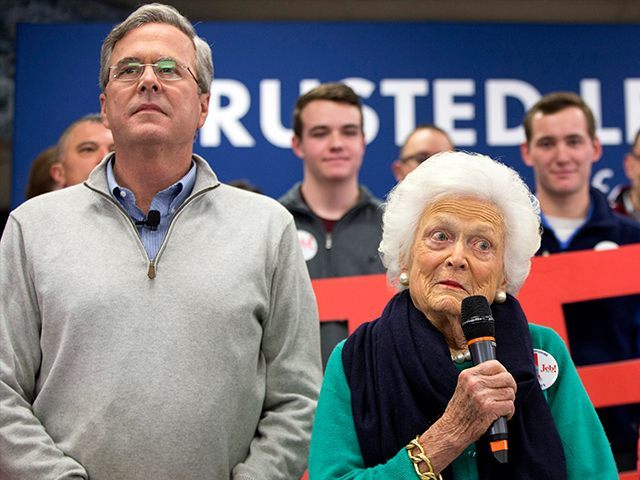 Barbara Bush introduces her son Jeb at a town hall meeting at West Running Brook Middle School in Derry, N.H., Thursday Feb. 4, 2016. (AP Photo/Jacquelyn Martin)