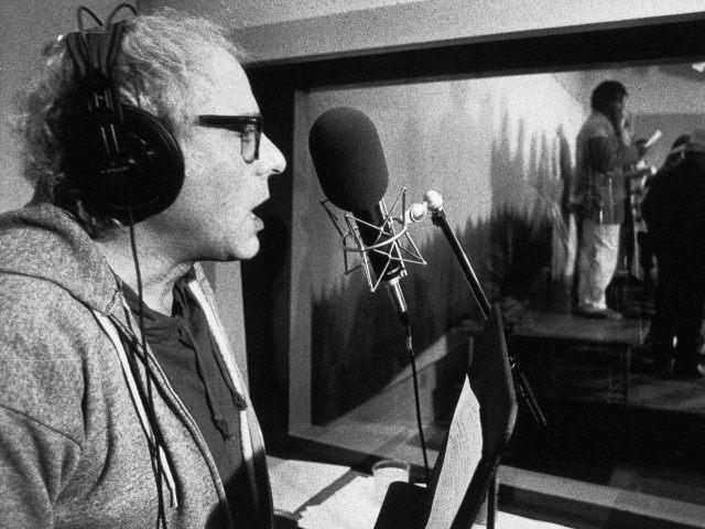 Bernie Sanders sings (Toby Talbot / Associated Press)