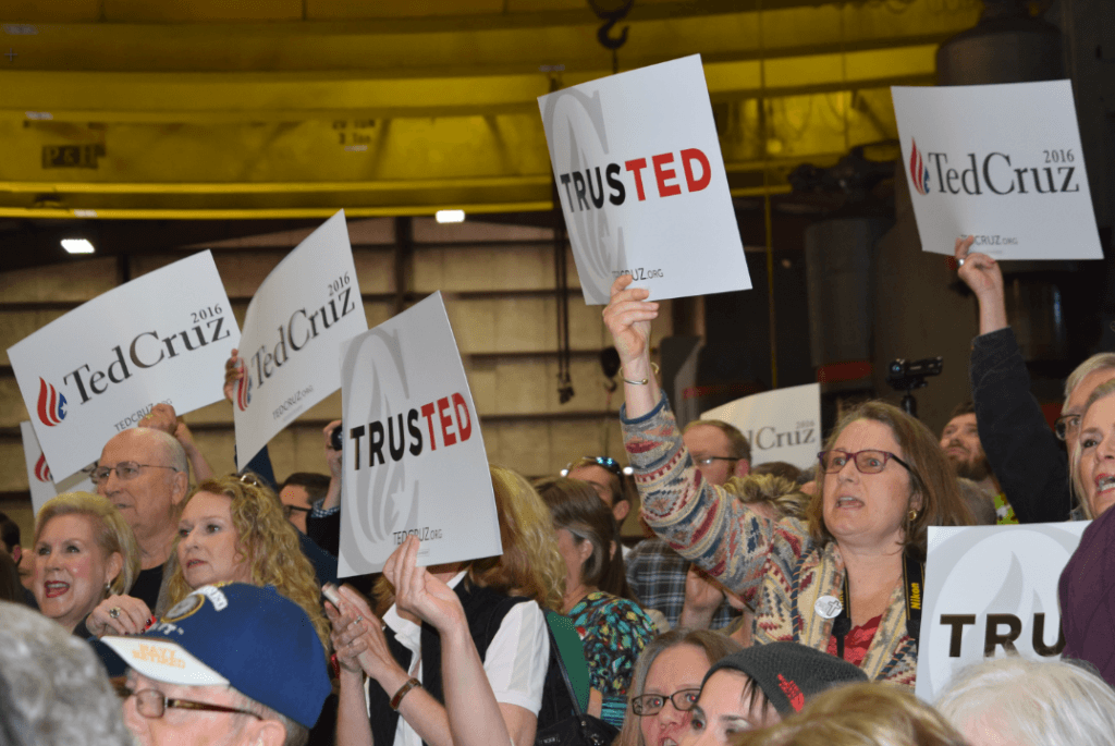 A packed room of nearly 1,000 supporters came out to support Ted Cruz and hear Governor Abbott's endorsement. (Photo: Breitbart Texas/Lana Shadwick)