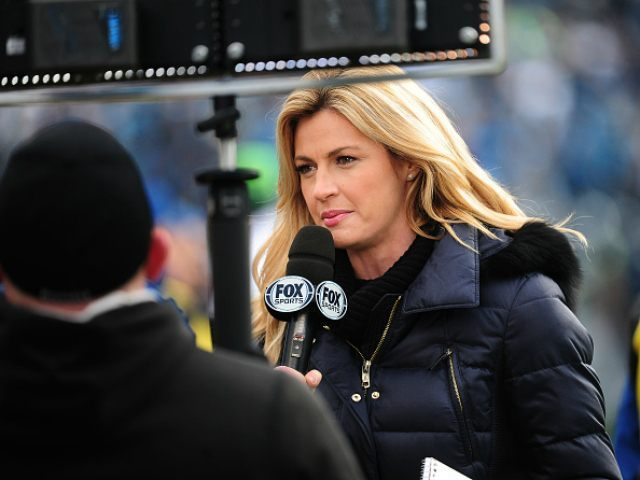 CHARLOTTE, NC - JANUARY 17: Fox Sports sideline reporter Erin Andrews gives an update during the NFC Divisional Playoff Game between the Carolina Panthers and the Seattle Seahawks at Bank Of America Stadium on January 17, 2016 in Charlotte, North Carolina. (Photo by Scott Cunningham/Getty Images) *** Local Caption *** Erin Andrews