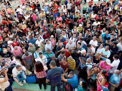Thousands of Cubans Heading to Texas, Welfare Benefits Await