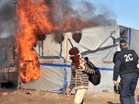Shots Fired In Calais: Hundreds Of Afghan And Sudanese Migrants Go To War