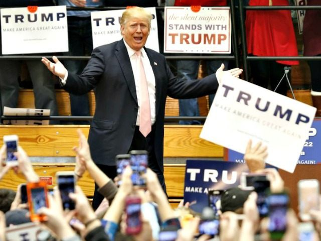 Black Students Kicked Out Of Donald Trump Rally in Valdosta, Georgia